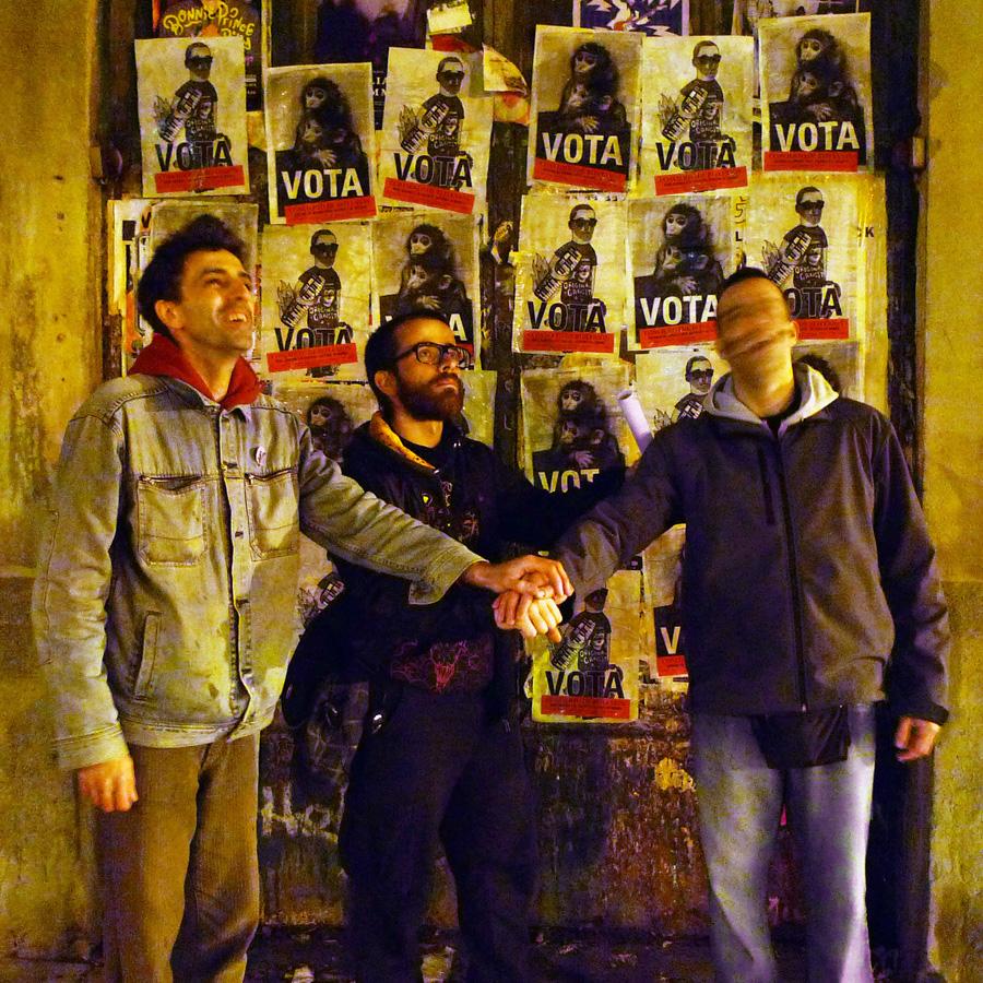 http://www.sistemademonos.com/boletihttp://hpq.sendloop.com/campaigns/create/builder#n/campana_electoral-Raul_Querido_y_El_Talento-Sistema_de_Monos-15-nov-2011.jpg